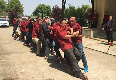 "Sovereign Power held a tug of war to celebrate the ""May 1st"""
